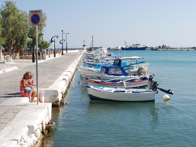 Small fishing boats in the harbour of Pythagorio