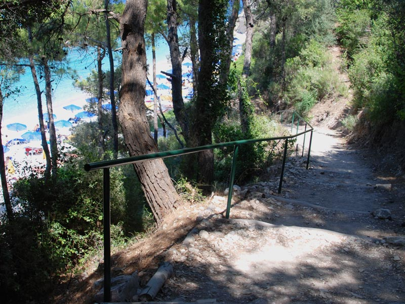 Path down to Tsamadou beach